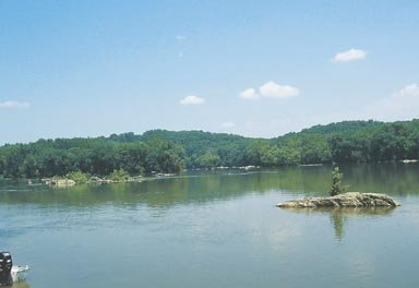 The view of the Potomac River from Riverbend Park.