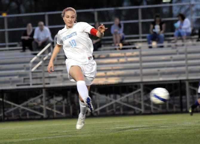 Yorktown Girls 39 Soccer Team Beats Lake Braddock The Connection Newspapers