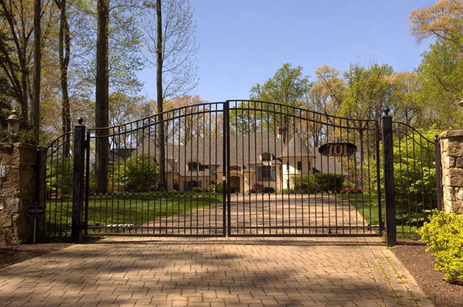 701 Gouldman Lane, Great Falls — $3,650,000