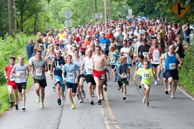 Hundreds participated in last year's Clifton Caboose Twilight Run.