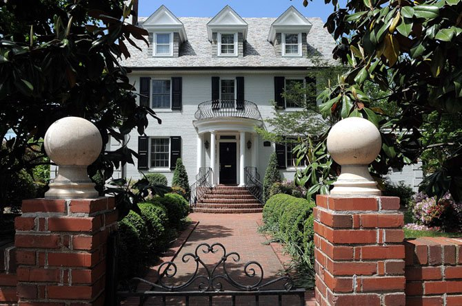 2012 Arlington Ridge Road, Arlington — $1,825,000