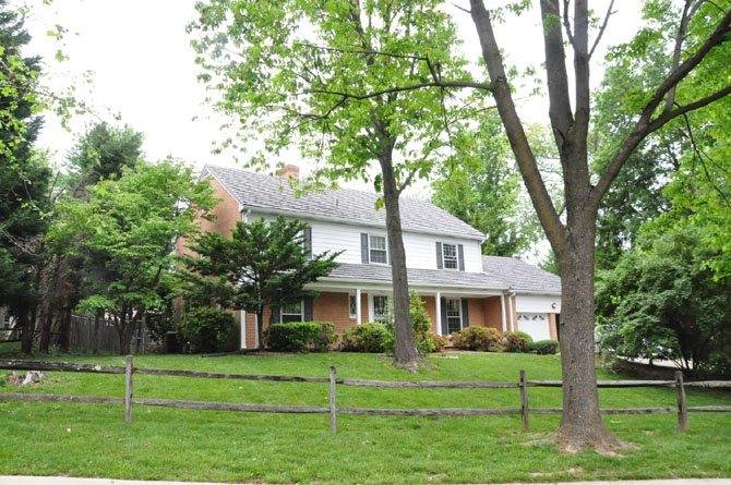 11901 Gainsborough Road, Potomac — $815,000