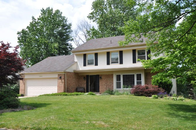 9009 Hunting Horn Lane, Potomac  $718,000
