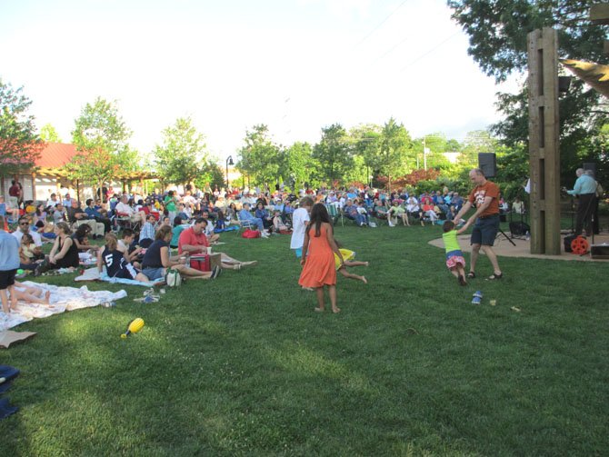 The summer concerts on the Town Green kicked off on May 11 with the U.S. Navy Sea Chanters.  Performances on the Green continue throughout the summer with two to three performances a week, including Wednesday kids performances.  Concerts are Friday and Sunday, with occasional special events on Saturdays.