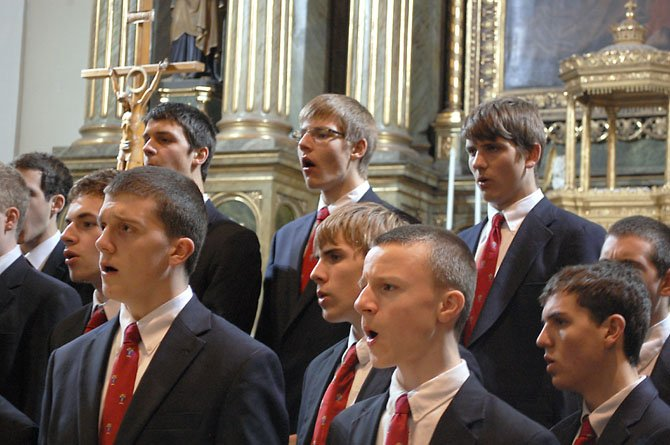The Heights School Mens Chorus recorded their CD, Sing dem Herrn at St. Peters Church in Vienna in March.