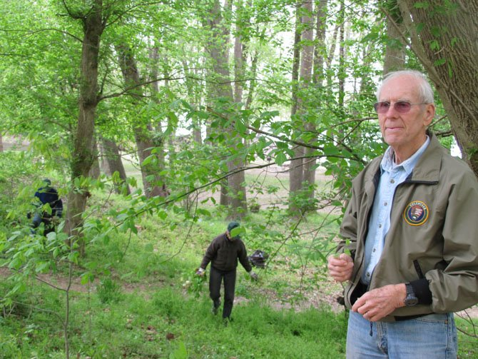 Jim Heins trains volunteers to help reduce the spread of garlic mustard. The only way to effectively reduce the spread is to go back to the exact spot year after year. 
