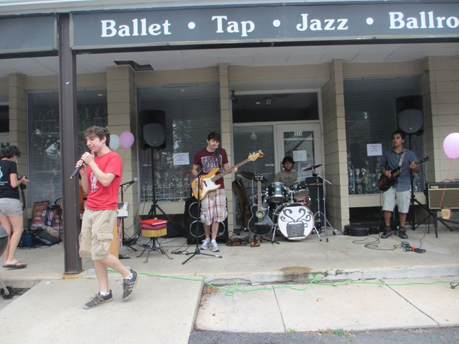 Vienna band TBS kicked off the open house party in front of Caffe Amouri.