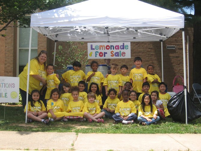 London Towne teacher Lauren Conlon and her first-grade lemonade sellers.