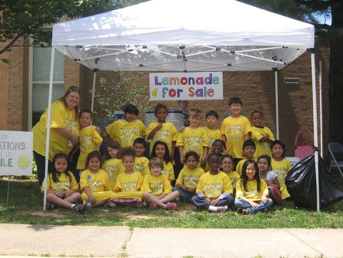 London Towne teacher Lauren Conlon and her first-grade lemonade sellers.