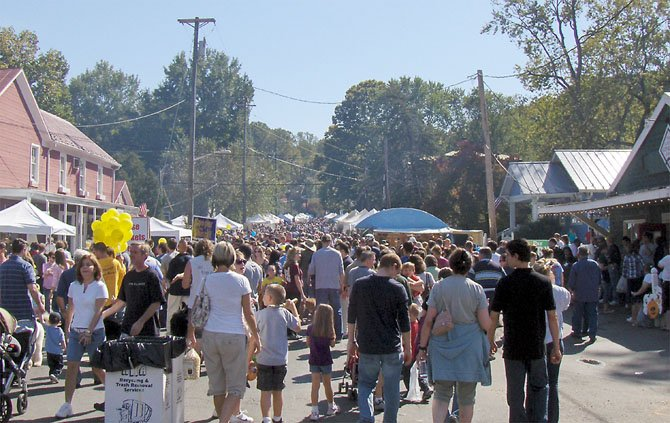 Thousands of people jammed Main Street for last year's Clifton Day.