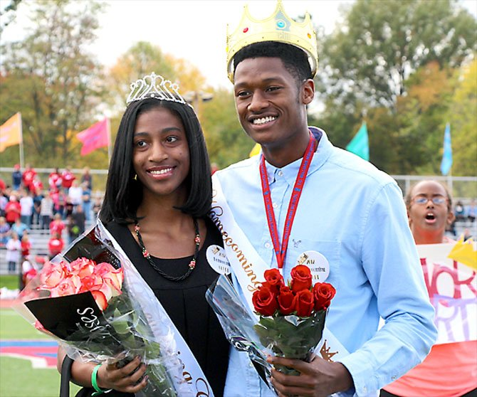 Homecoming Queen Morgan Lataillade and King Abrahim Lamin are crowned.