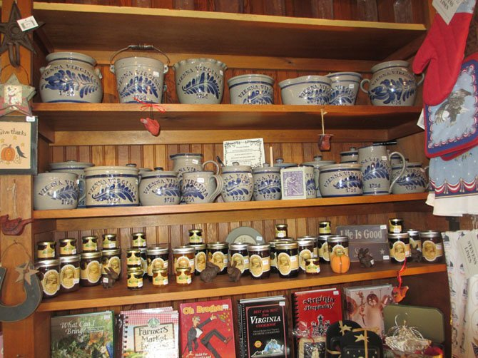 The Freeman Store sells lead-free Vienna-logo pottery made in Pennsylvania, as well as a selection of Graves' Mountain preserves.
