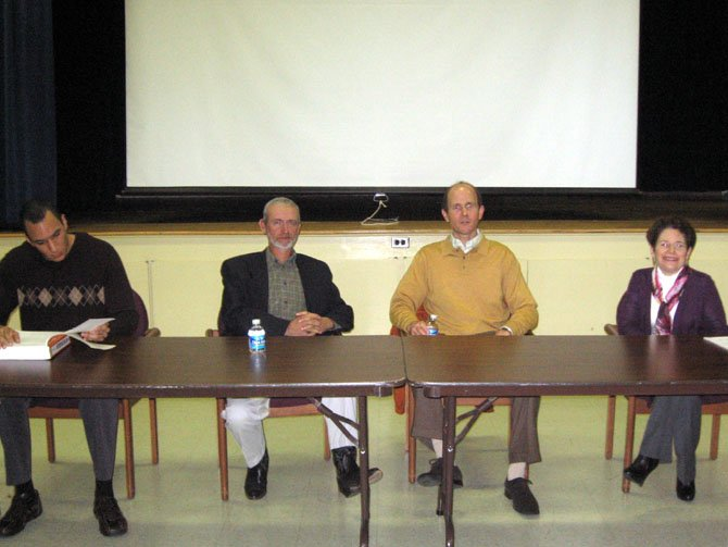 Food panelists, from left, are Edouard E. Sooh, food supplement representative; James Bourne, organic farmer; Christopher Johnson, naturopathic doctor, and Hope Warshaw, dietician and diabetes consultant.