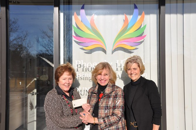 Each Fall The Dominion Guild, Inc. hosts an open house and coffee with boutiques. The proceeds from the annual fundraiser are distributed to qualifying projects and entities serving the Northern Virginia Community. After this year's event, the Guild donated $42,500 to five institutions.