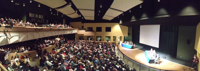 A capacity crowd fills Kenmore Middle School for a contentious forum on the proposed Arlington Streetcar.