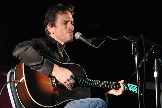 "Charles ""Chip"" Esten of ""Nashville"" showed off his range and singing style on Friday, May 3, at his show at the Durant Arts Center to benefit The Scholarship Fund of Alexandria."