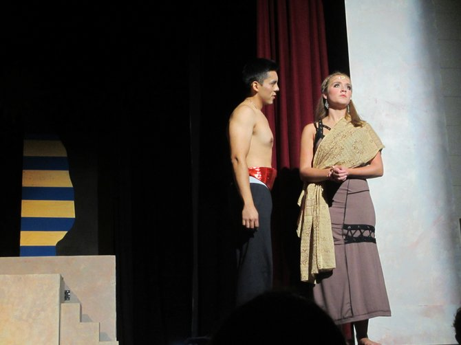 Egyptian captain Radames (Roberto Rivera), although betrothed to the pharaoh's daughter, is taken in by the spunky slave, Aida (Sarah Chapin). Radames is not aware she is a Nubian princess.