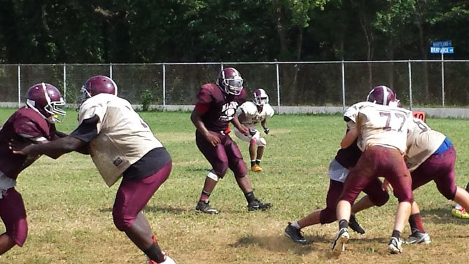 Tre'Ron Brooks, center, will be a physical presence in the middle of the Mount Vernon defense.
