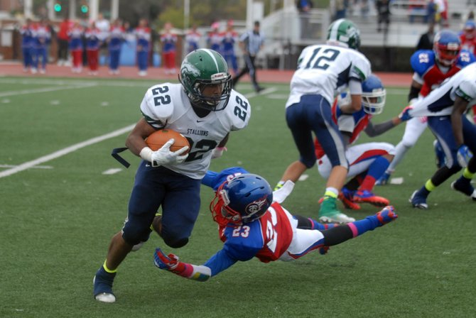 South County running back LeVaughn Davis rushed for 147 yards on Saturday against T.C. Williams.