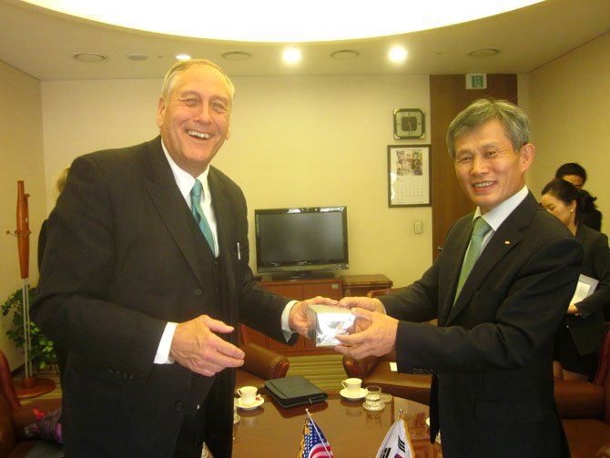 State Sen. Dave Marsden (D-37) talks with the chairman of the Korean Federation of Industries during a trip to South Korea in August. Marsden, and his wife, Julia, spent a week in South Korea as guests of the Government of the Republic of Korea.