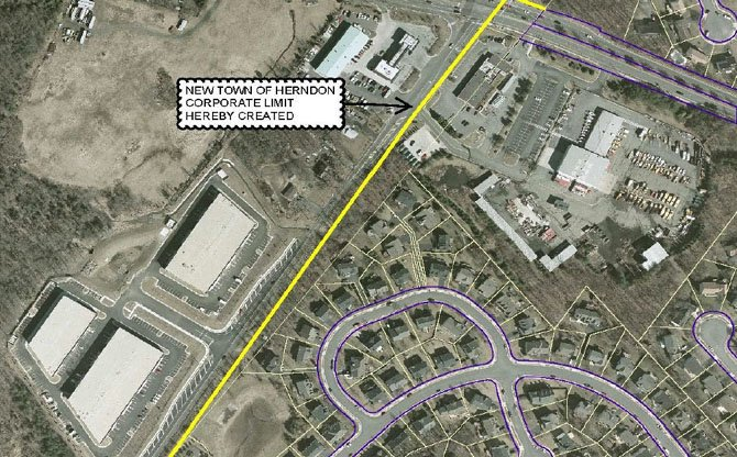 The Town Council has approved a preliminary agreement that would resolve a long-running issue about the town's western border with Loudoun County, near the intersection of Sterling Road and Rock Hill Road.