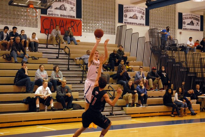 Robinson senior Joe Bynum scored 28 points and made eight 3-pointers against Edison on Friday night.