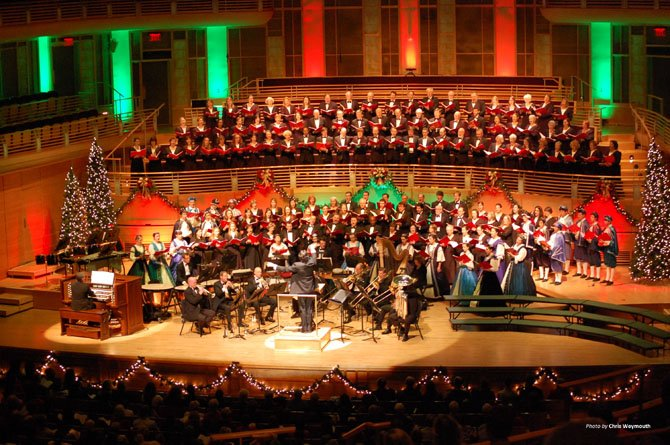 "The 200-voice Washington Chorus, led by director Julian Wachner, presents its annual crowd-pleaser ""A Candlelight Christmas"" concert series, this year with the help of the Robinson Singers."