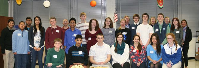 Visiting experts came from West Potomac High School and the Geological Society of America. WPHS science teachers Kathy Bowdring and Steve Rezendez accompanied a group of WPHS  advanced academic science students to Stratford Landing Elementary School.