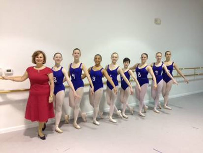 MSA Studio director Lesley Shearer with MSA ballet students in blue.