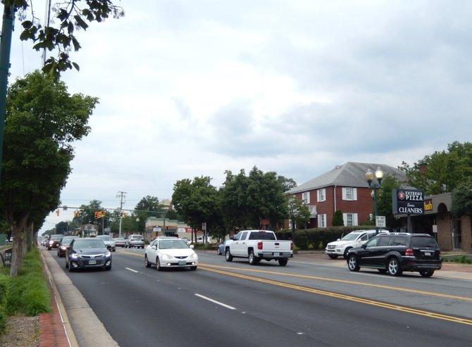Sunday afternoon traffic on Maple Avenue.