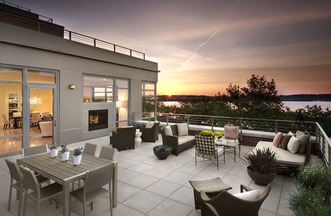 The spacious residences include up to 1,000 square feet of patios and terraces as well as river and cityline views.
