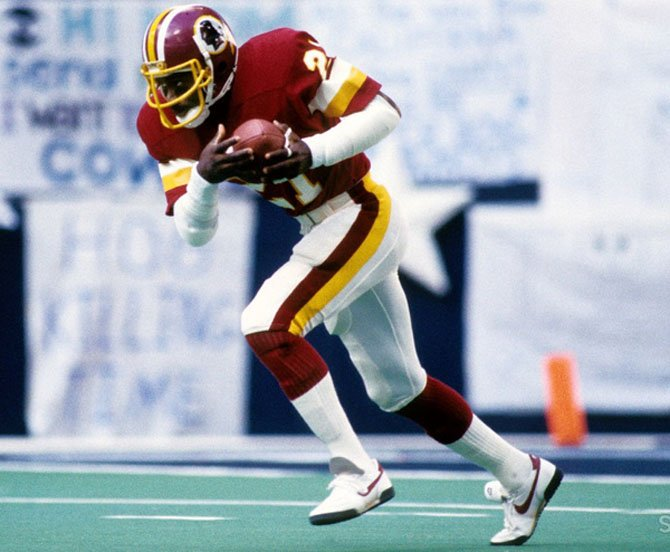 Three time Pro Bowler and Super Bowl champion Mike Nelms will be the featured speaker at the Alexandria Sportsman's Club annual Redskins Night Oct. 21 at the Old Dominion Boat Club.