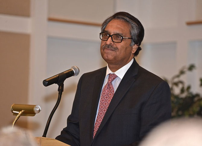 His Excellency, Jalil Abbas Jilani, Pakistan Ambassador to the United States was the keynote speaker at the fundraising dinner for Reach Out International. The Interfaith organization supports missions to improve the conditions and outlook for Christians in Pakistan. The Ambassador was pleased to make a personal donation with his embassy staff for the work being done by ROI.