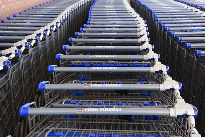 Aldi requires a 25 cent deposit to use its shopping carts, a measure people are hoping will keep shoppers from taking carts full of groceries home with them.