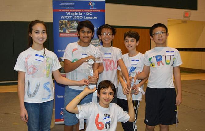 From left: Christina Luckett, Shaurya Saran, David Pan, Sasha Pasmanik and Anthony Wang. In front (kneeling): Max Golub.