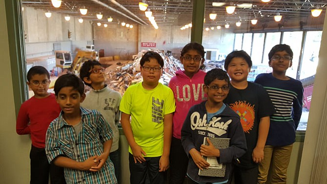 Team AMP at Poplar Tree Elementary includes Austin Thomas, Praneeth Kemisetti, Arnav Nanduri, Matthew Kweon, Mallina Shah, Anish Paspuleti, Alton Lin, and Advaith Gajulapally.