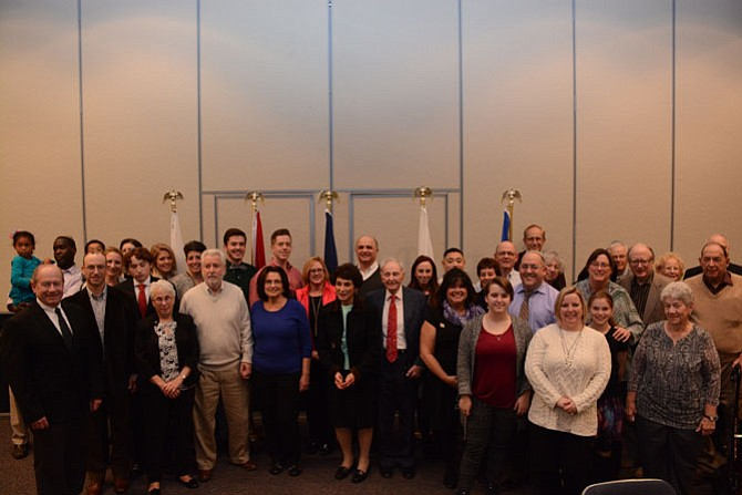 Military families, members of Temple B'nai Shalom in Fairfax Station, gathered for a special Shabbat dinner recognizing veterans prior to the evening service.