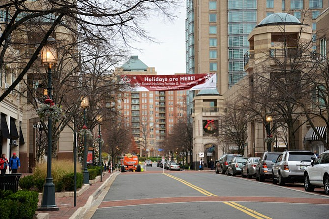 It's official! The Holidays are here and Reston Town Center says so!