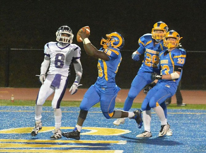 Robinson running back Sean Foncha rushed for 157 yards and three touchdowns during the Rams' 31-24 victory over Chantilly in the 6A North region quarterfinals on Nov. 20.