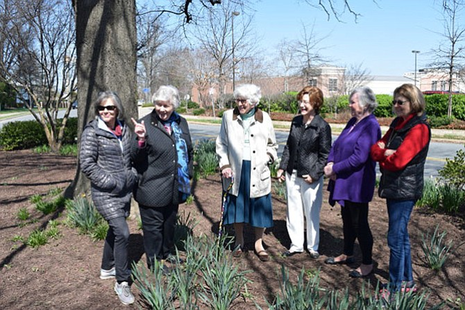 From left, Colette DiTullio, Joann Cochran, Edith Probus, Carol Saunders, Gerlinde Goode and Maria Raggambi -- Members of the Holly Hill Garden Club sharing stories from the past.