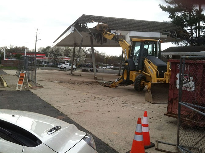 TD Bank, National Association and the landowner razed remnants of the former Exxon Station on March 31, according to Great Falls Citizens Association.