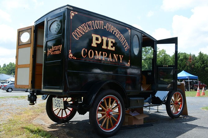 The morning of the marker unveiling, Mike Copperthite (who was joined by seven generations of the Copperthite family) served 600 of the famous pies out of the back of an original 1914 Ford Model T pie delivery truck.