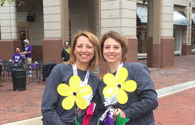 Patty Schuebel (right) and her sister Raci Matzke are joining the 2016 Walk to End Alzheimer's in Northern Virginia.