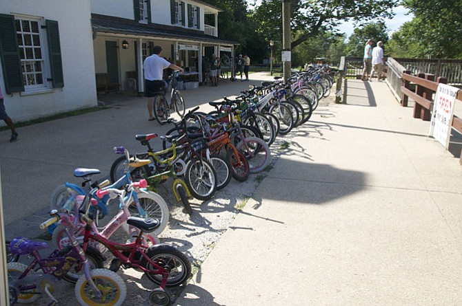 Bikes are available for 2-hour free rental at the canal.