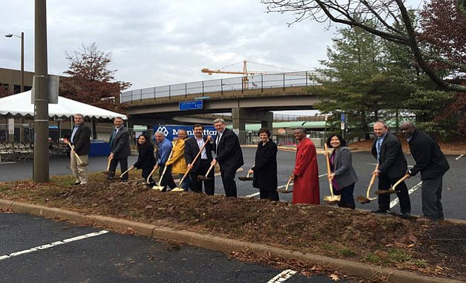 A Nov. 30 groundbreaking ceremony at the Herndon-Monroe Park-and-Ride kicked off the construction of the new Herndon Station Parking Garage.