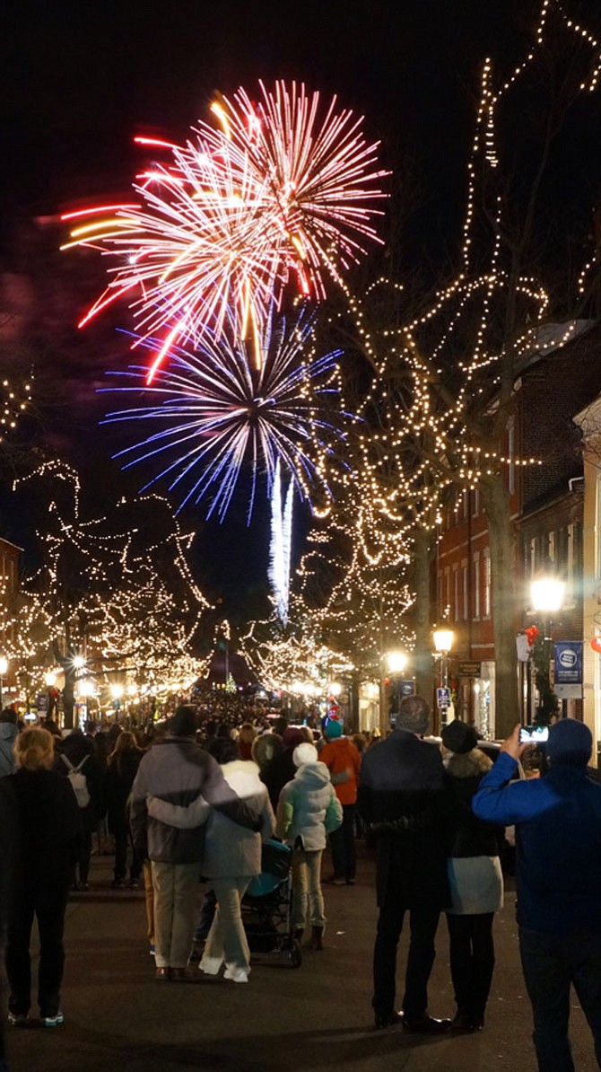 Fireworks light up the sky over the Potomac River to usher in 2017 as part of the First Night Alexandria celebration.