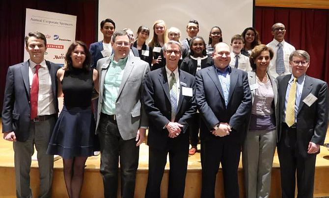 2017 YEA! students and investor panelists.