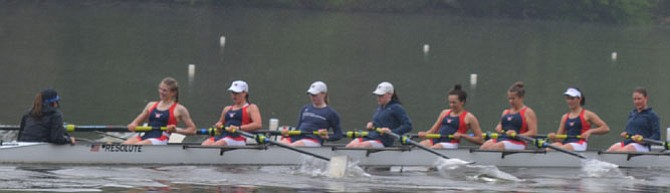 The Women's Varsity Second 8 at the Noxontown Regatta.