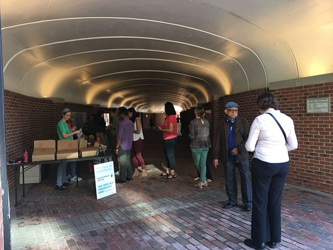 Wake Up Wednesdays are happening every Wednesday through September from 7-9:30 a.m. at the Duke Street Tunnel Connecting Carlyle to King Street Metro. Free coffee with a purchase of a donut, entertainment from local performers. www.alexandriava.gov/CarlyleFun