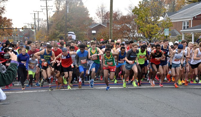Sponsored by the Del Ray Business Association, the Alexandria Turkey Trot takes place Thanksgiving morning. The 5-mile race has been attracting elite runners for 42 years.